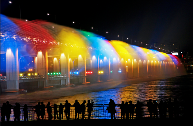 Banpo-Bridge-Rainbow-Fountain-feeldesain-03