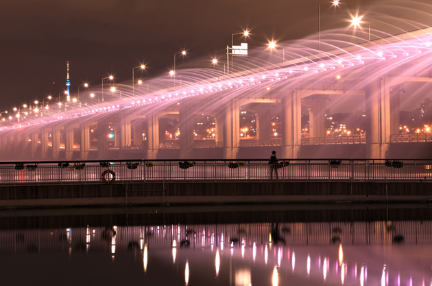 Banpo-Bridge-Rainbow-Fountain-feeldesain-05