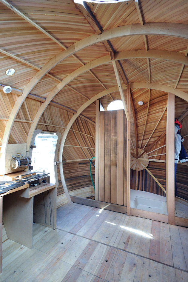 Floating-Wooden-Exbury-Egg-Shelter-5-feeldesain-