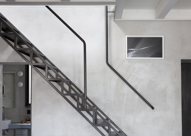 House-small-home-by-Roberto-Murgia-and-Valentina-Ravara_dezeen_ss_12