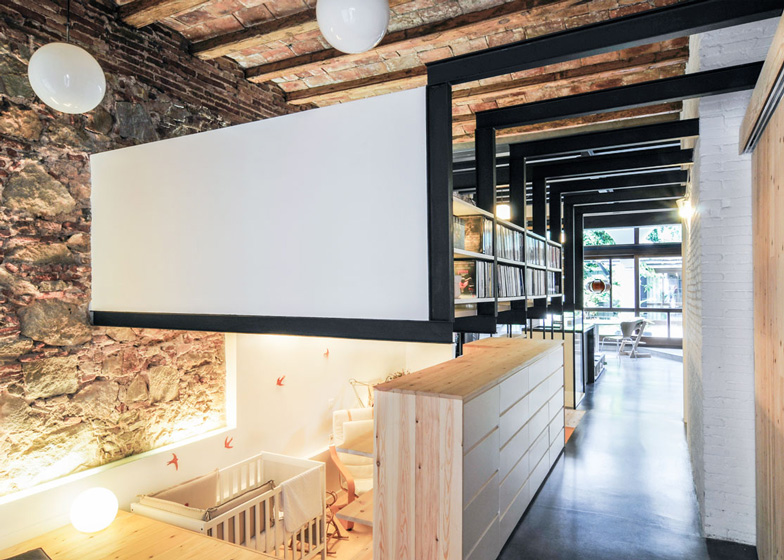 barcelona renovated apartment 5