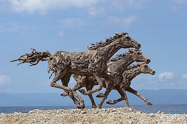 driftwood horses 1