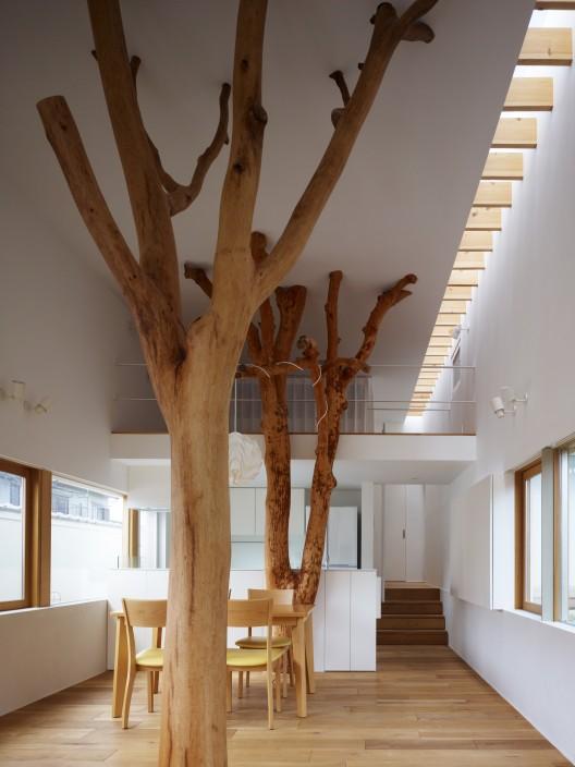 garden tree house 1
