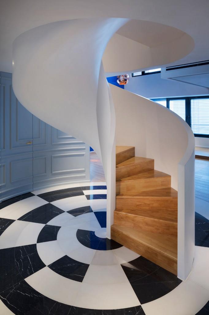 Blue-Penthouse-Dariel-Studio-4-stairs