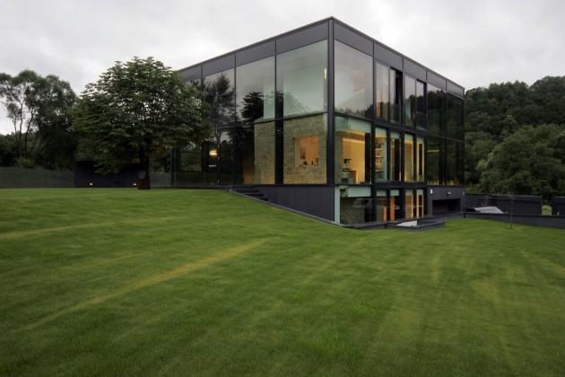 lithuania glass house 1