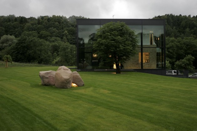 lithuania glass house 2