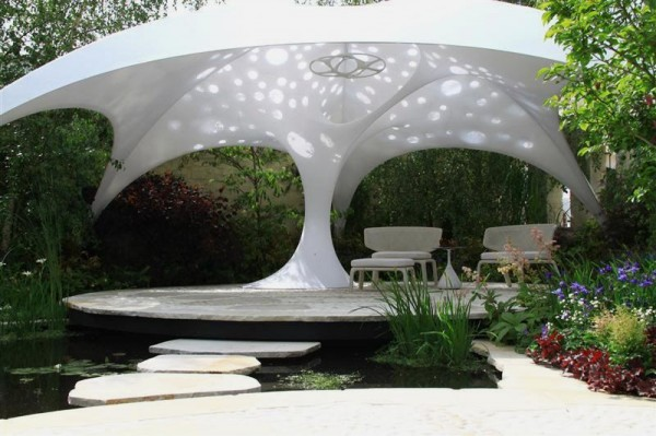 Beautiful-Textile-Shade-Structure-that-Beautify-Your-Garden-600x399