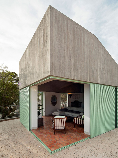 Concrete-house-by-Langarita-Navarro-photographed-as-a-crime-scene_dezeen_11
