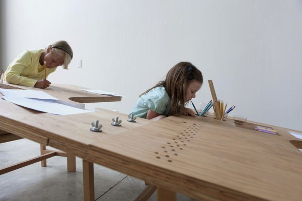 Innovative-Table-for-Adults-and-Kids-of-All-Ages-4-600x399