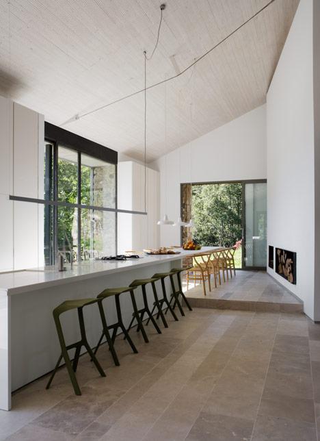 rustic spain house 10