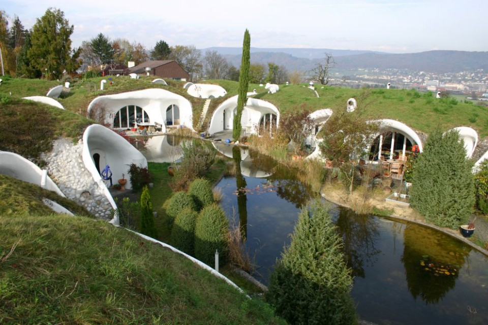 Earth-House-1