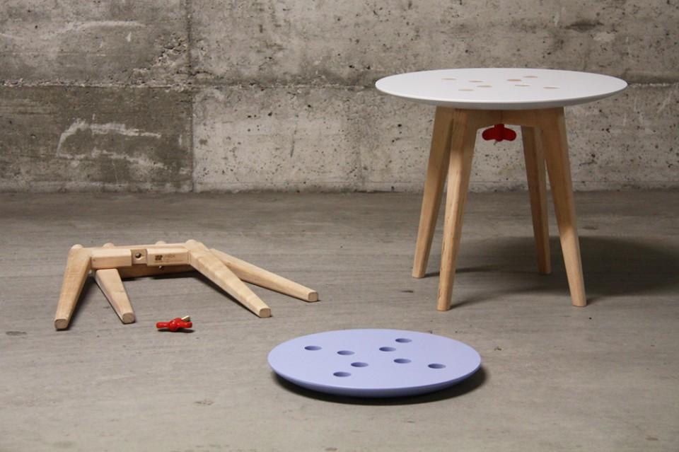 frida_stool 2