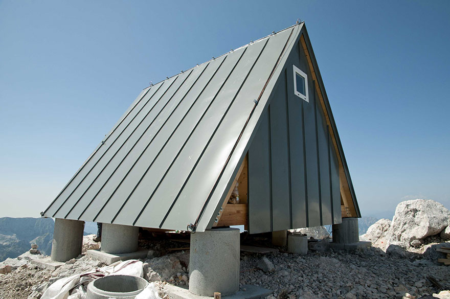 mountain-hut-house-8