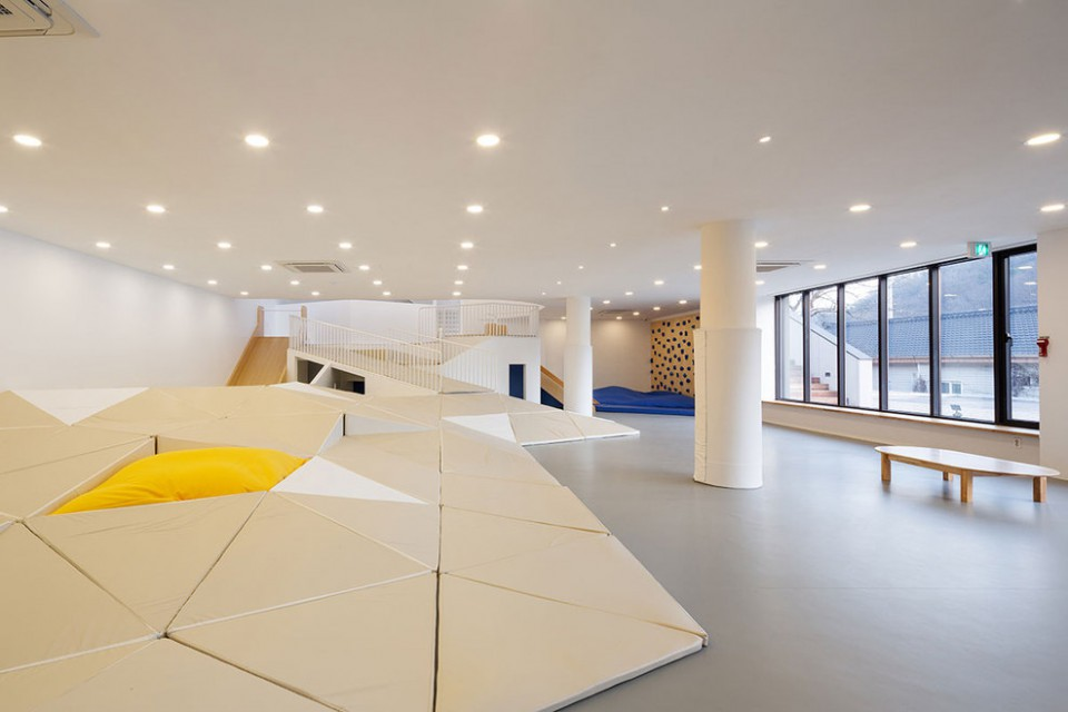 Indoor plyaground in seoul by shin architects for Indoor playground design ideas