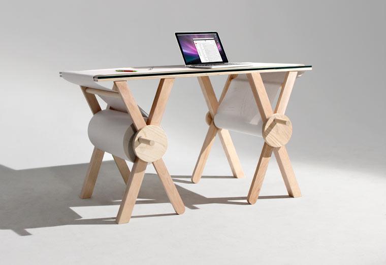 Analog-Memory-Desk-1