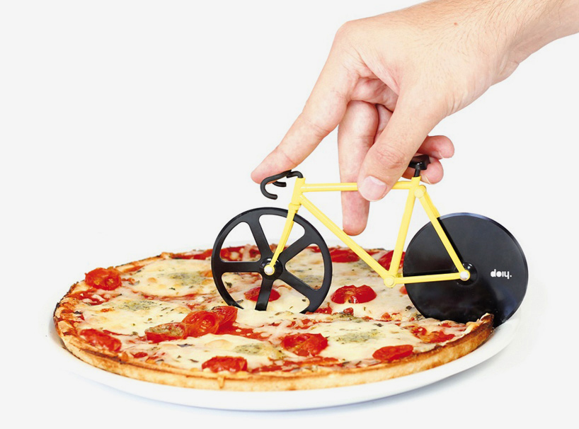 fixie-pizza-cutter-slices-with-bike-wheels-designboom-081