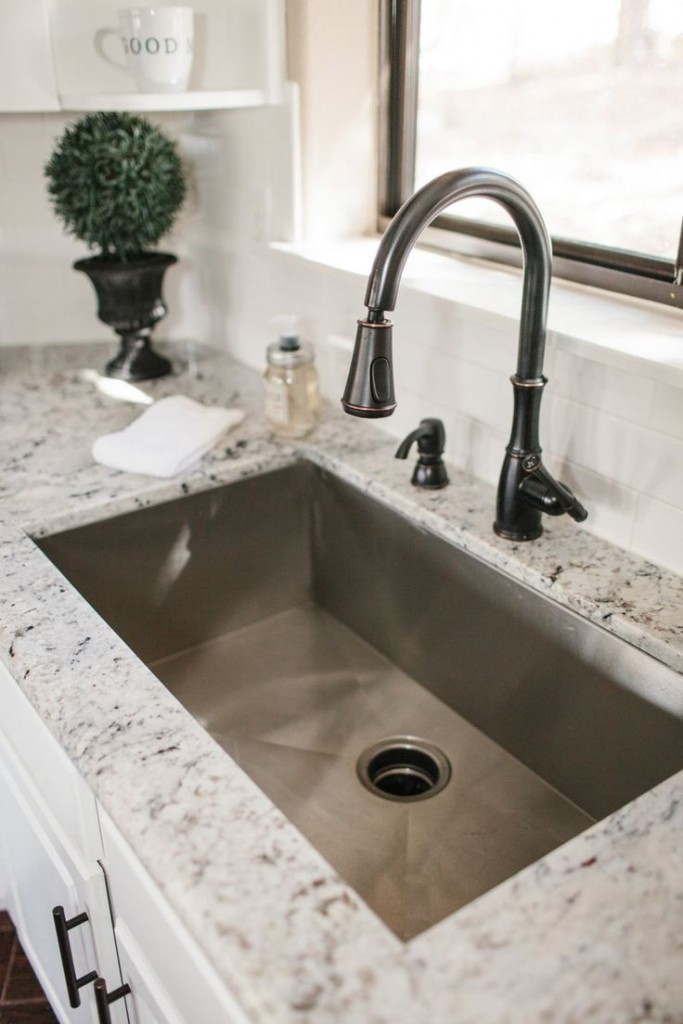 Which countertop is the best option Granite countertops price per square foot