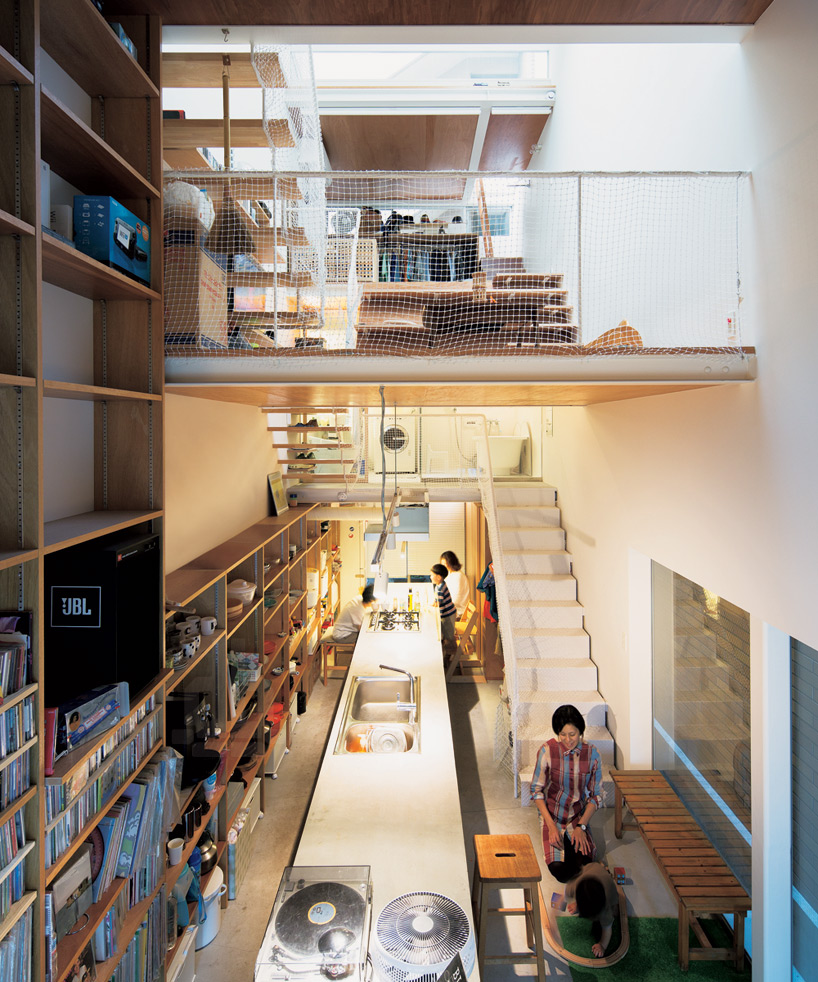 Narrow house for four, Japan on small apartment building in japan, houses in tokyo japan, tall skinny building in japan, narrow house interior design, micro houses in japan,